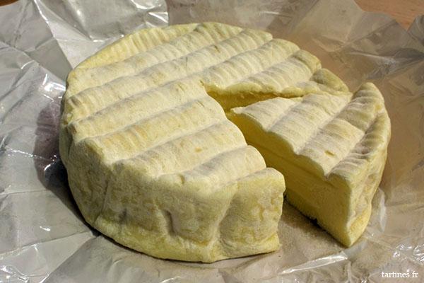 J'aime cet aspect rustique dans un fromage