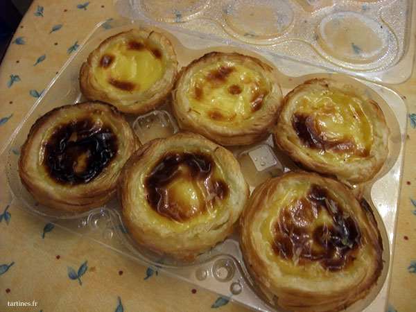 On a pris un emballage de 6 pasteis, parce qu'on est gourmands!
